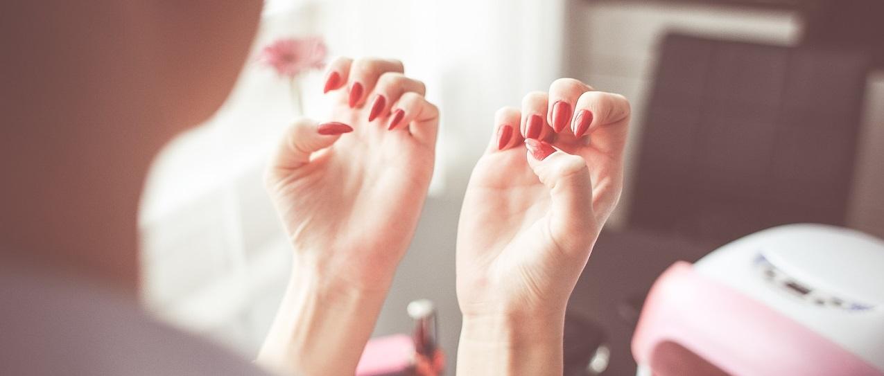 Nega ruku i noktiju
